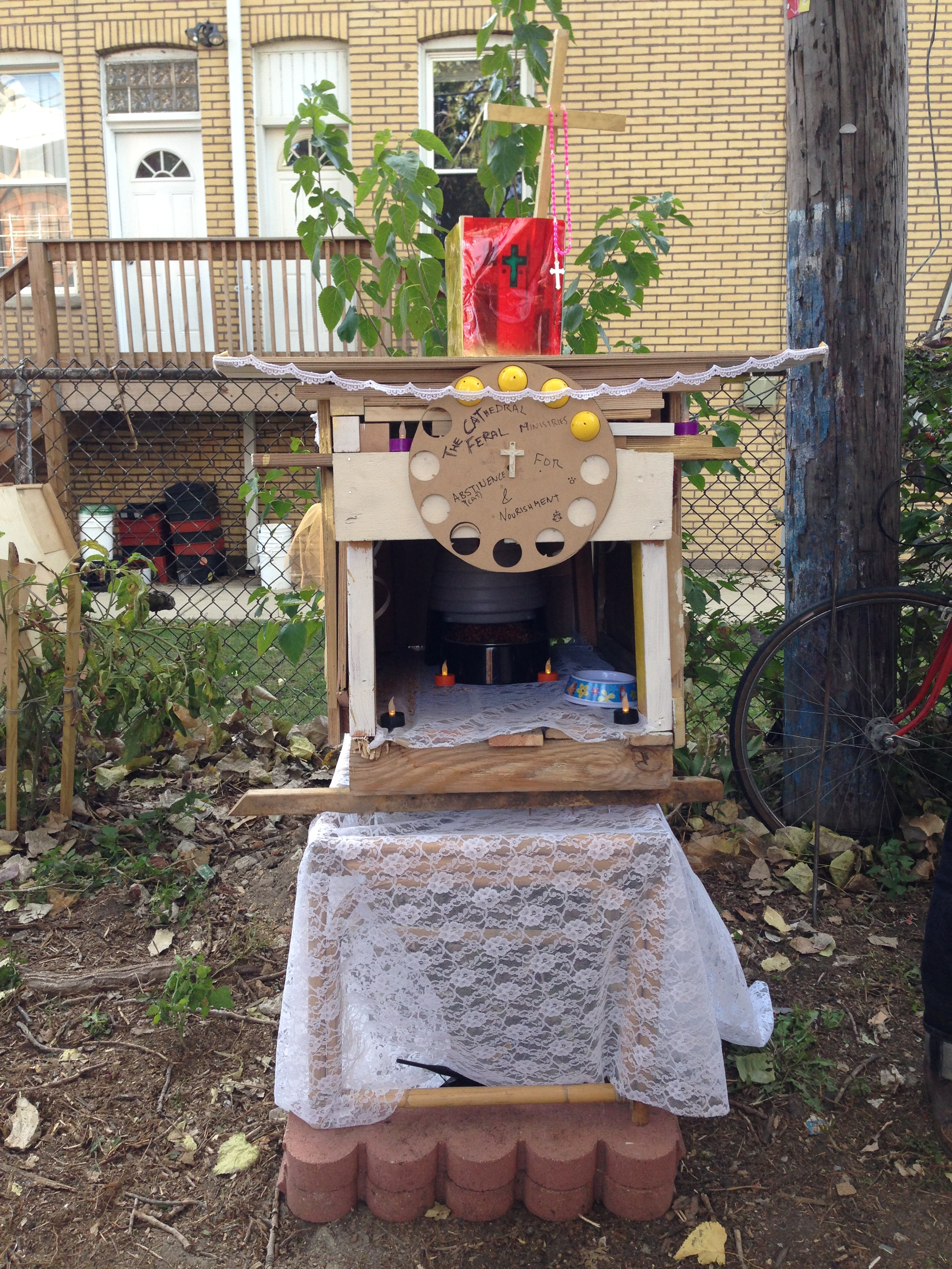 pulpit cat house ~ chicago artists commissioned to make outdoor cat houses
